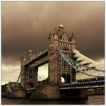 Tower_Bridge_by_Kaminfreunde-550x550